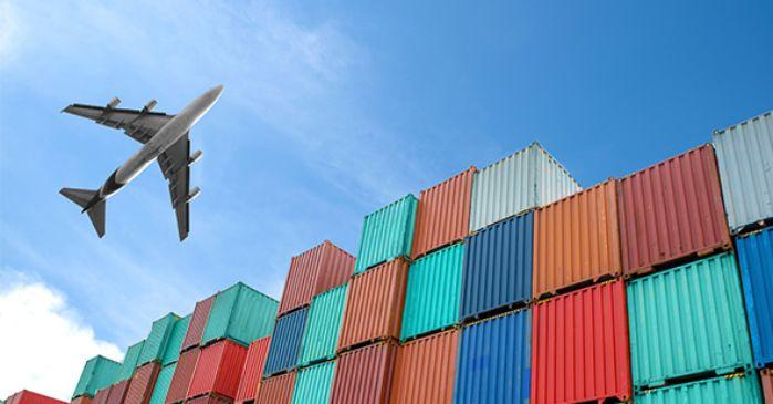 Perbedaan Layanan Import Via Udara dan Laut
